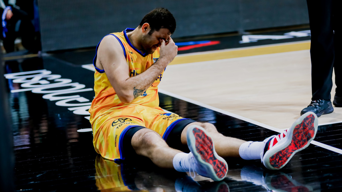 Se confirman los diagnósticos de Bourousis y Cook