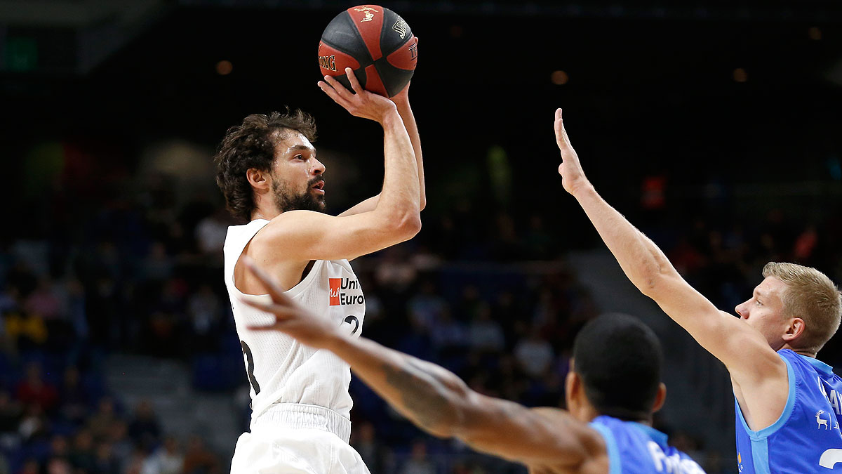 Tiro en suspensión de Llull (ACB Photo/V. Carretero)